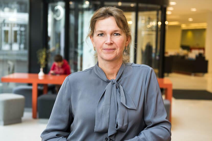 Drs. Sandra Loois